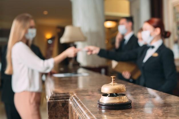 ¿Quiere optimizar recursos y mejorar la desinfección de su hotel?